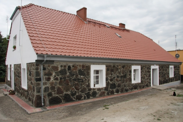 Murowana Goslina domy nowe 2