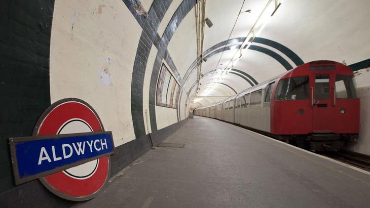 metro-londyn-aldwych